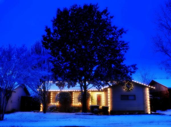 christmas lighting example 03-600x444